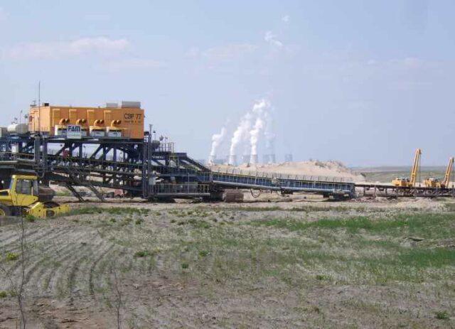 Kohlekraft - Kohleausstieg dringend nötig: Zerstörte Landschaft, zerstörtes Klima.