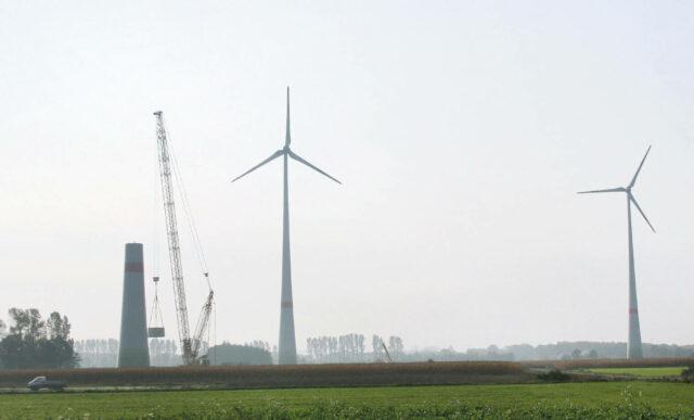 Ökorenta Erneuerbare Energien 10: Windkraftfonds mit mehreren Windparks, im Bild Enercon-Windkraftanlagen bei Renkenberge