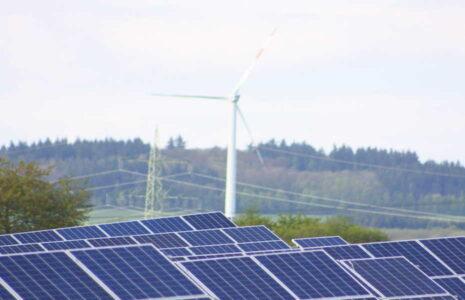 Solar und Windkraft - Sonne und Wind